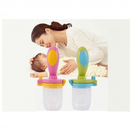 Baby World Store Baby silicon fruit feeder with handle Green