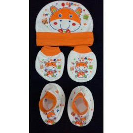 Baby World Giraffe print Newborn Cap set Orange